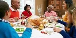 o-FAMILY-AT-CHRISTMAS-facebook